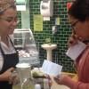 Clientes do St. Marche degustam Cambuci, ganham livro de receitas e tem acesso ao fruto congelado